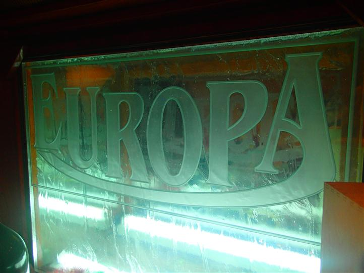 sign that reads europa