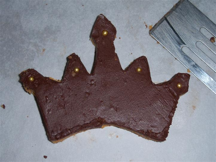 chocolate shaped crown