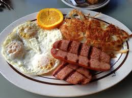 grilled sausage with hashbrowns and bread