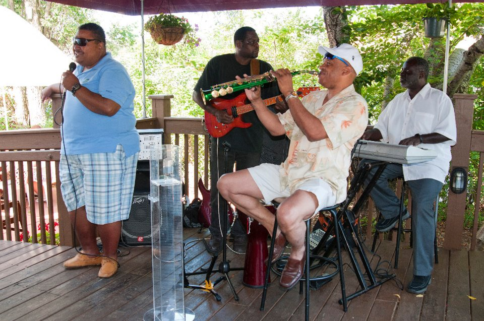 Live music outdoors