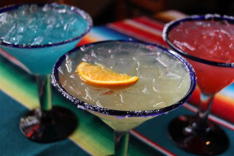 3 Margaritas , Blue, Yellow and Red in triangle formation