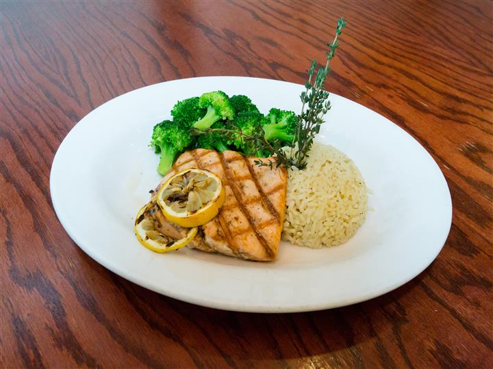 salmon with rice and broccoli