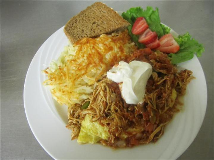 hashbrowns, salad and bread