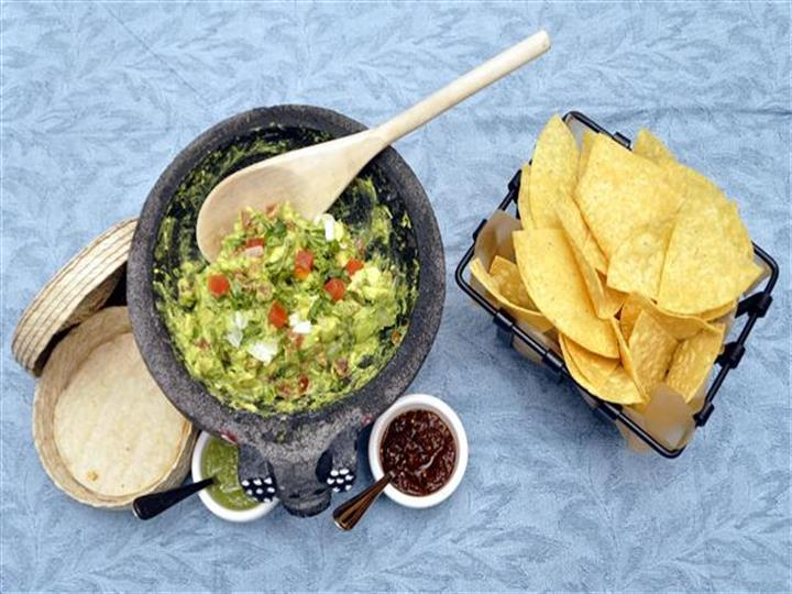 guacamole with a side of chips