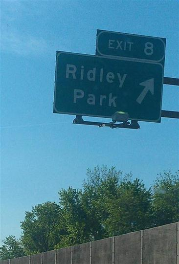 Exit 8 sign of Ridley Park