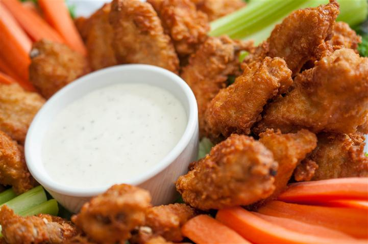 carrots and chicken nuggets with dipping sauce