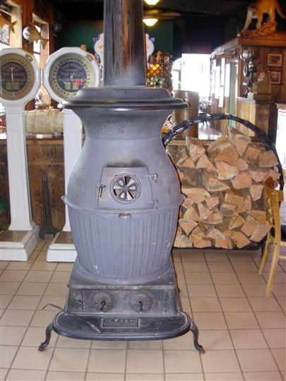 Interior decoration of a wood stove