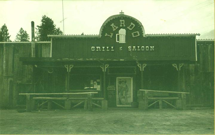 Outdoor black and white picrure of Lardo's Grill & Saloon