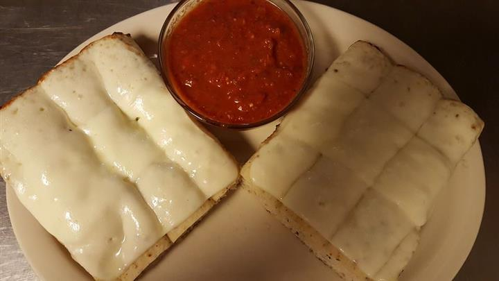 Cheese sticks with marinara sauce
