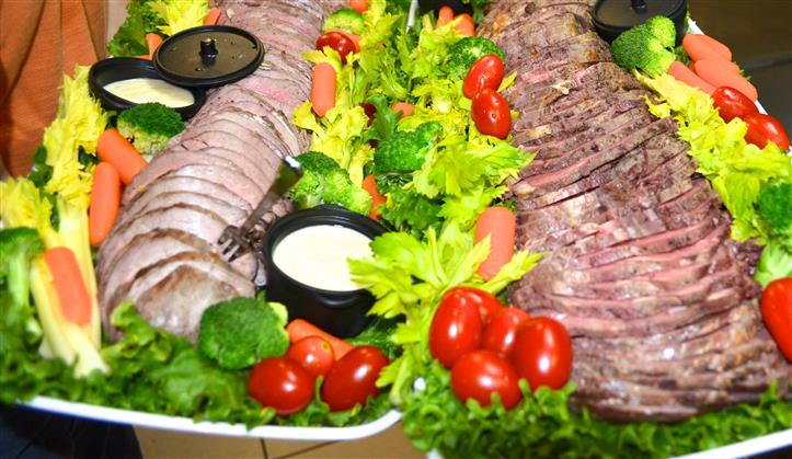 Arrangement of meat and vegetables