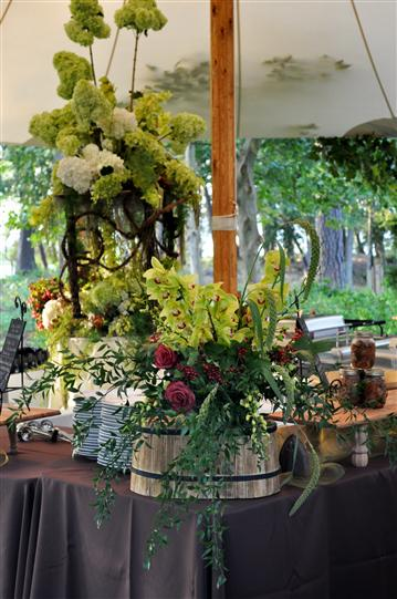 Decoration of Bouquets for a wedding reception