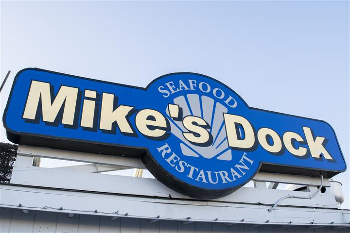 the mike's dock seafood restaurant sign