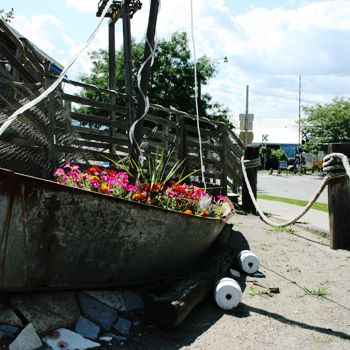 exterior decorative boat garden with flowers