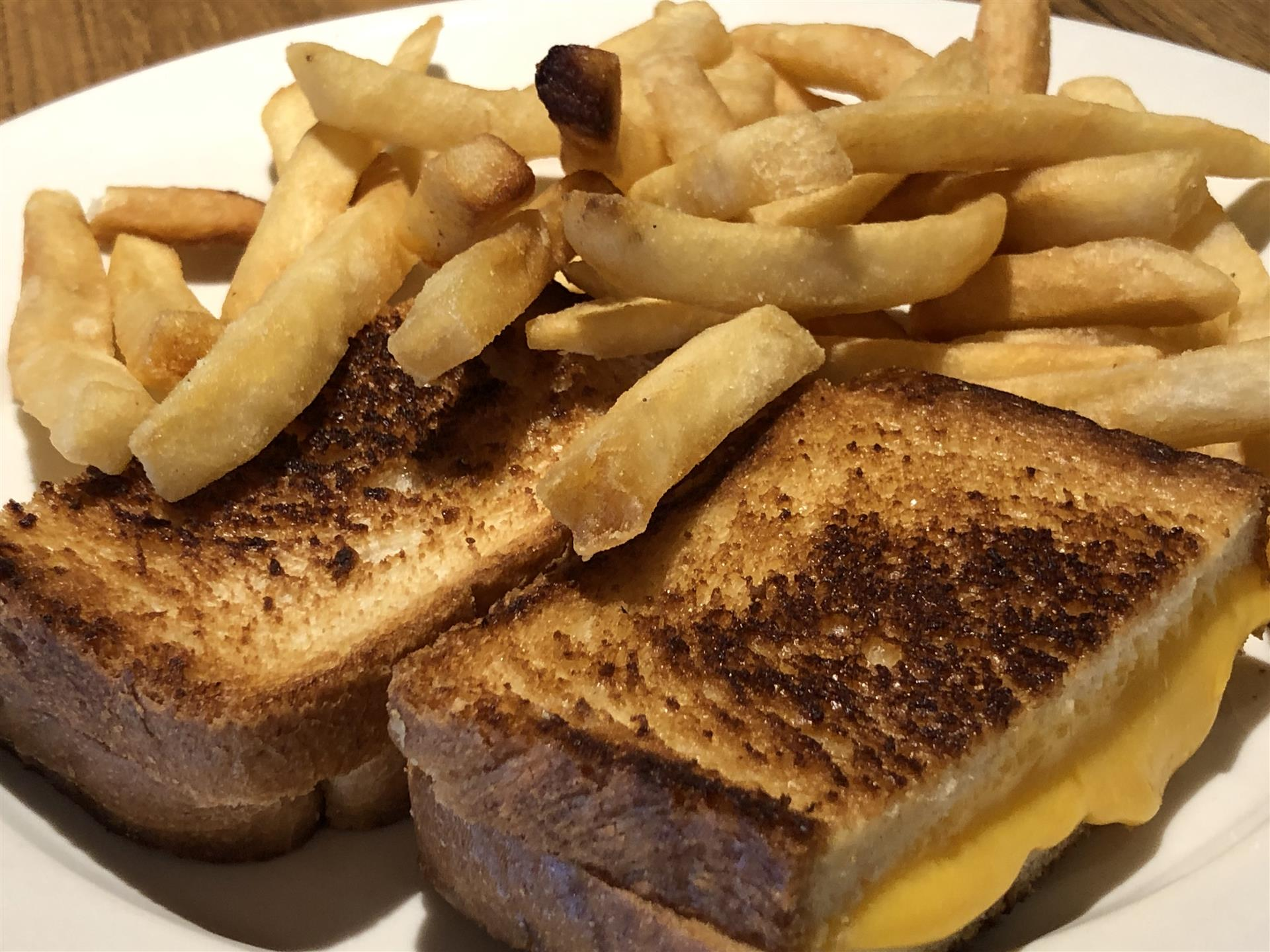 grilled cheese with french fries