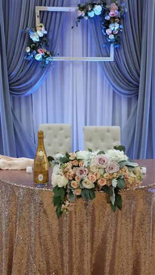 center table with a big flower centerpiece