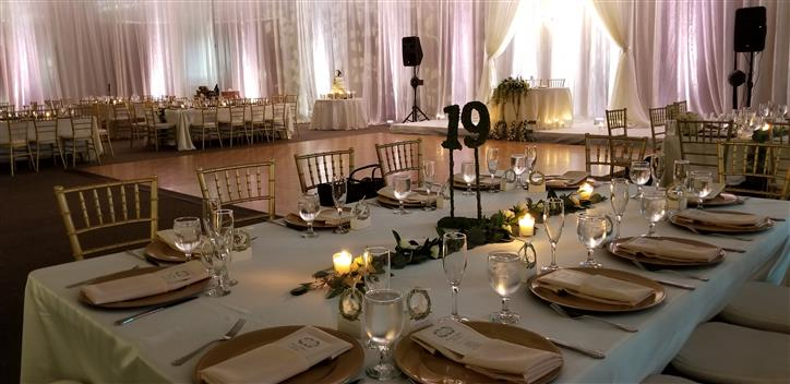 table setting with a ive leave table runner