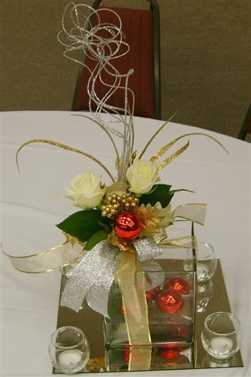floral center piece for christmas time