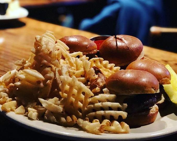 mini sliders with fries