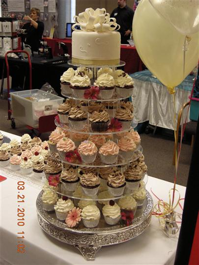 Arrangement of cupcakes on a display