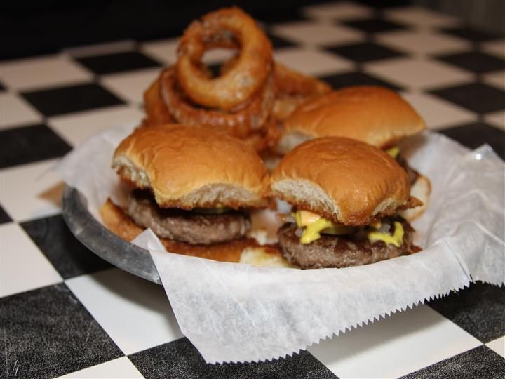 Sliders with onion rings