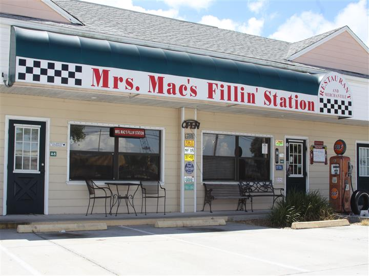 Mrs. Mac's Fillin' Station front entrance