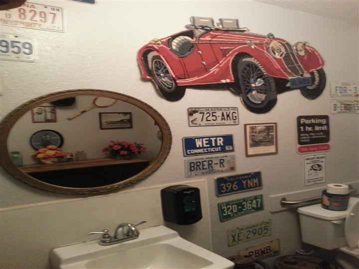Vintage license plates and car decoration