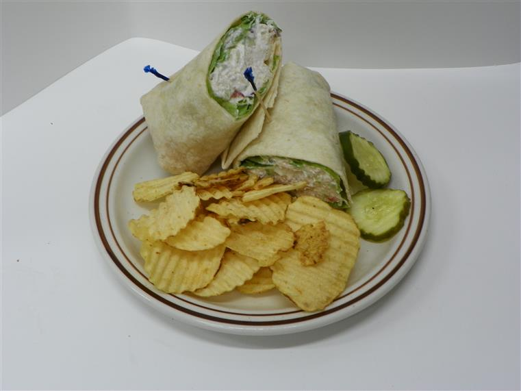 wrap with potato chips and pickles