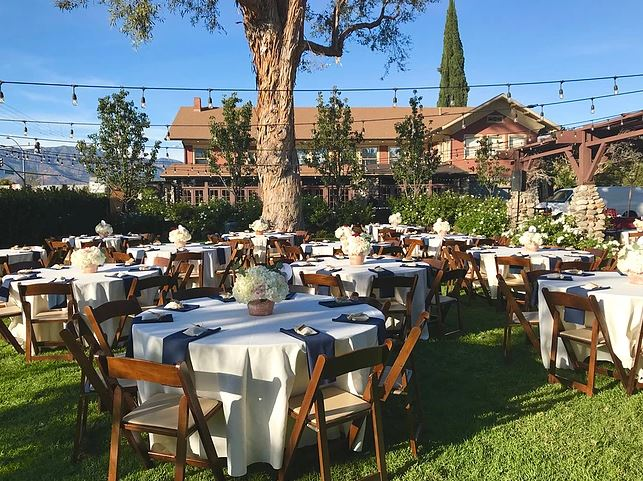 La Villa Bella outdoor table setup