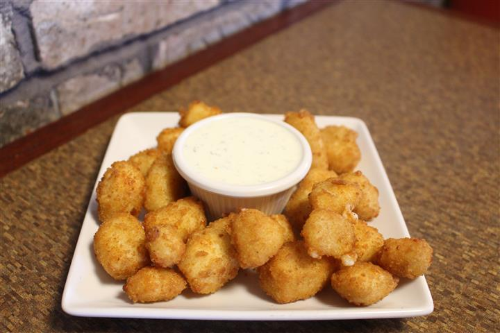 plate of tater tots