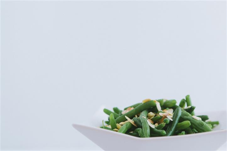 Green beans in bowl