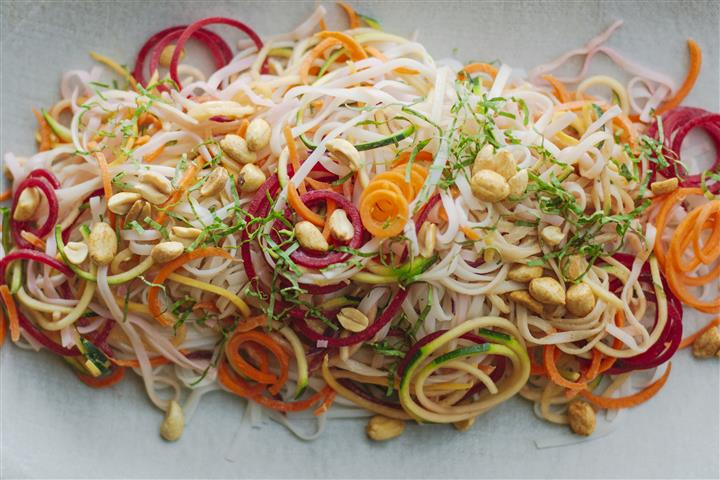 Salad with noodles and peanuts