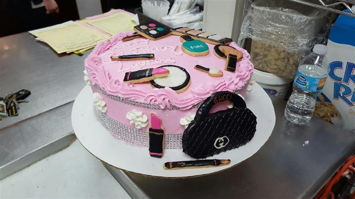 A girly birthday cake