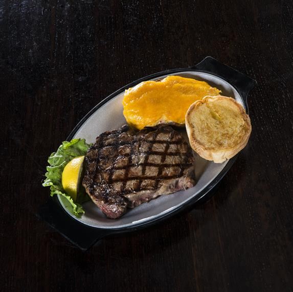 steak with toast on the side