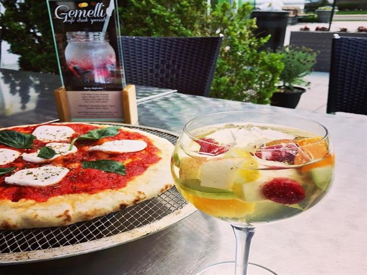 Pizza and cocktail