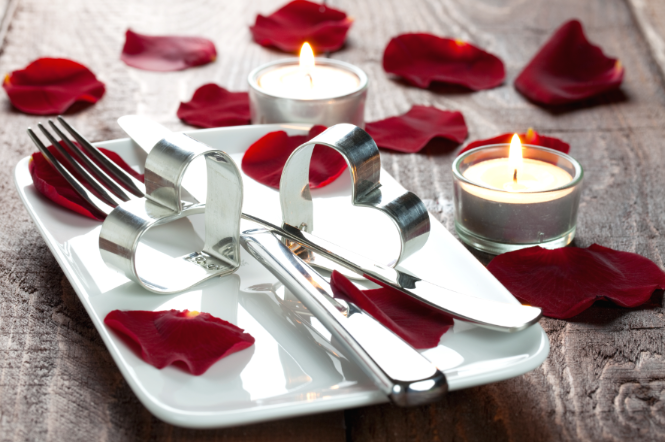valentines day plate setting