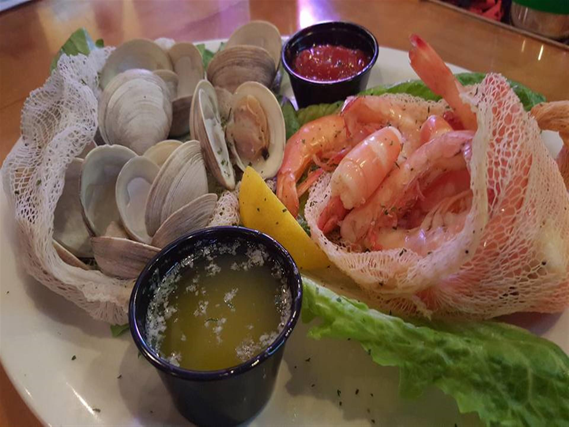 Clams and shrimps with 2 different dipping sauces