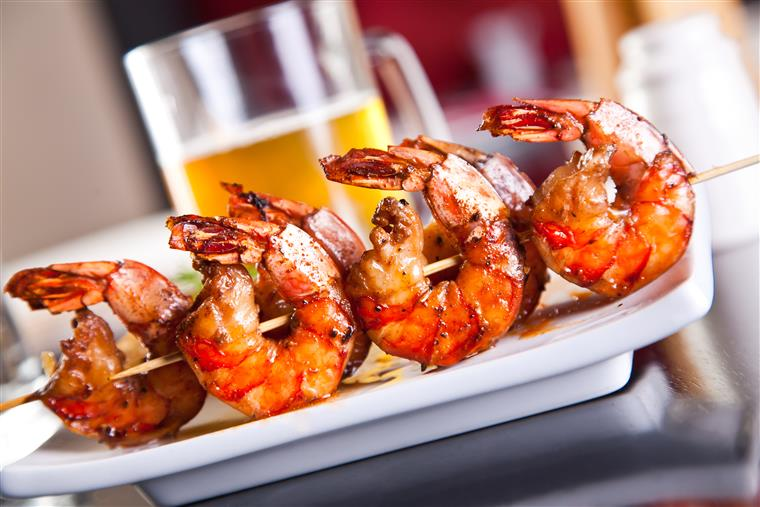 7 grilled shrimp on a skewer