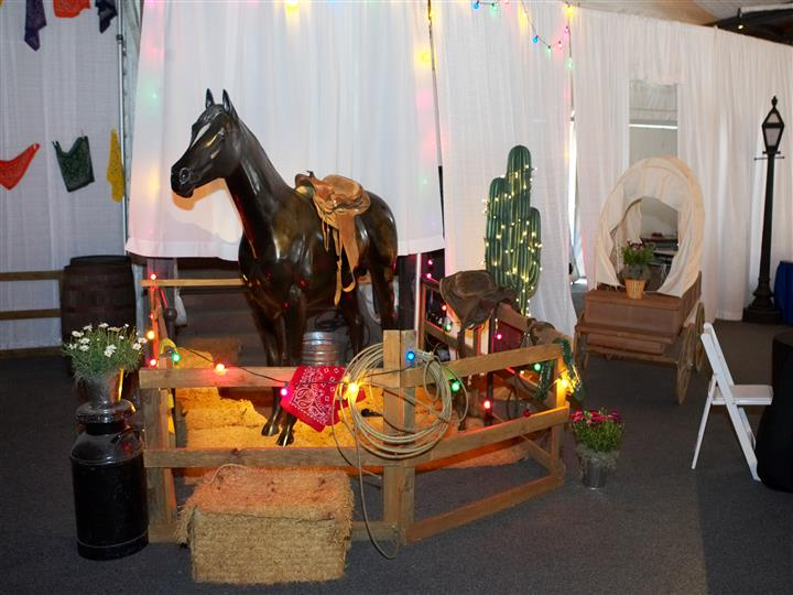lifesized horse with lights and cactus