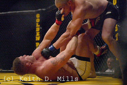 Tom murphy in action during M M A fight