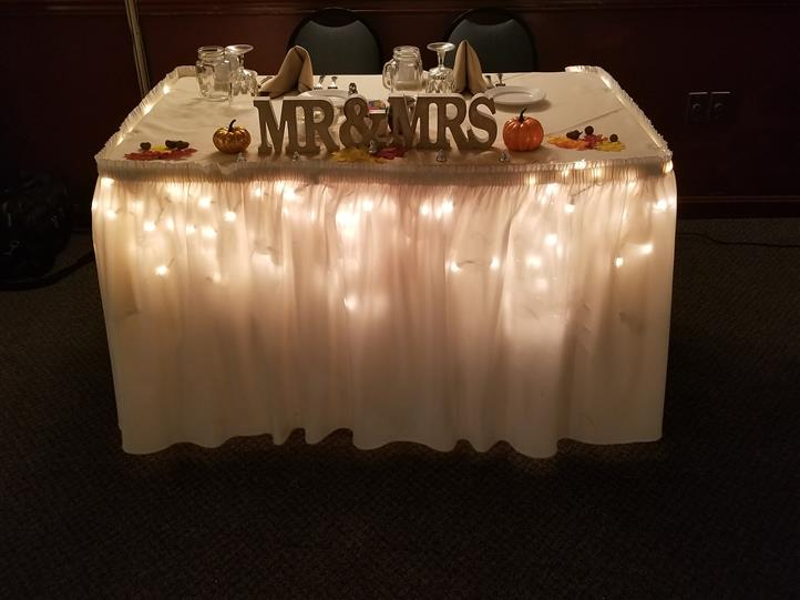 Table with Mr & Mrs decoration