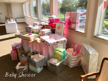 presents at baby shower