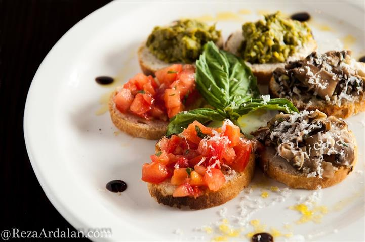 bruschetta and crostini with pate