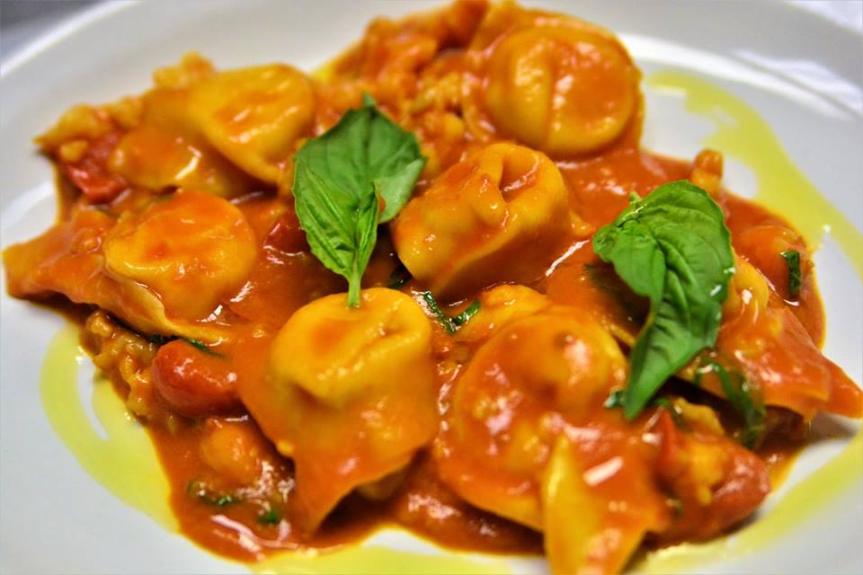 tortellini with red sauce