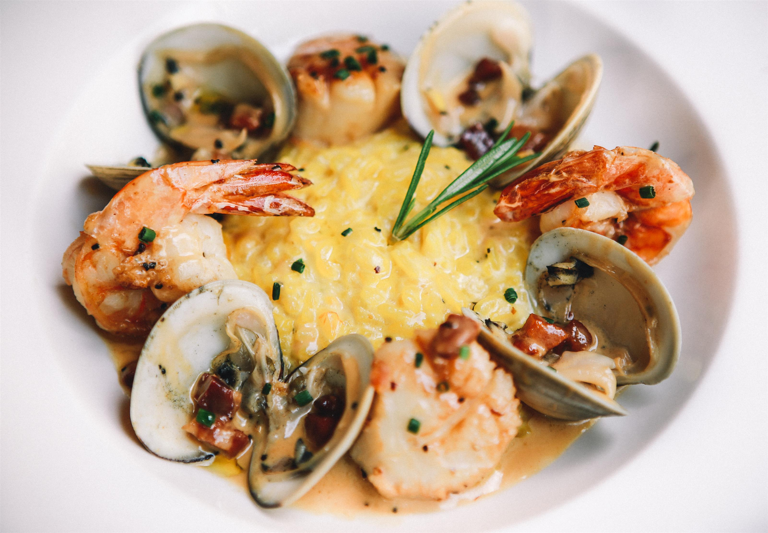paella with clams and shrimp